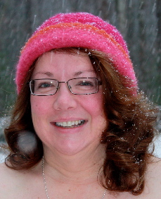 Beth in the Snow in her 1st CCM felt hat