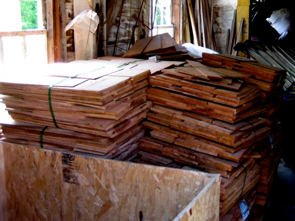 6 Square Western Red Cedar Shingles in Bundles.